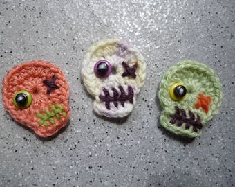3 skulls crochet hand made wool