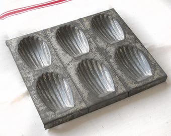 French baking tin for Madeleines, 6 vintage metal cake molds, french Vintage Madeleine Candy Mold Sheet, collecting mold, Madeleine Pan