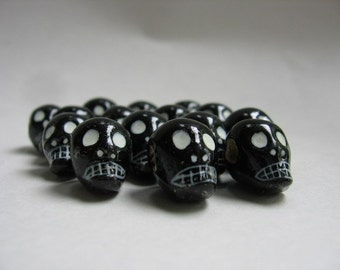 Skull Beads Peruvian Ceramic Clay Black Skull Beads 16mm with Large Horizontal Holes 10 beads