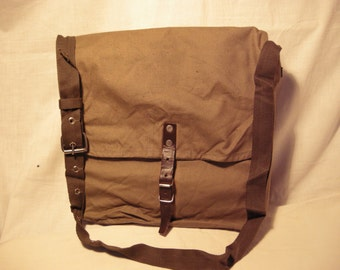 Vintage 1980's Army Personal Bag for Provisions /Shoulder Bag- NEW