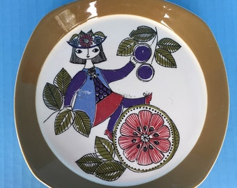 Turi Design, folk art plate 5.  From Figgjo Flint Norway