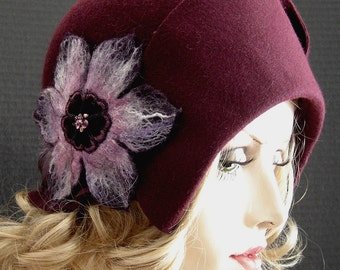 1920 Style Heathered Fur Felt Cloche In Sweet Berry Wine