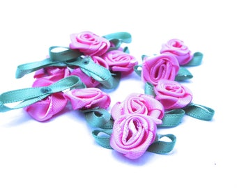 12 roses with green/cream fabric with hole for threading 23x13m dimensions