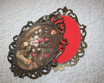 Beautiful Vintage Set Of Two Ornate Made In Italy Frames With Floral Pictures