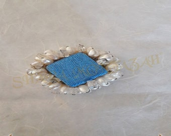 Shara-brooch Silk, 925 sterling silver, topaz and freshwater pearls