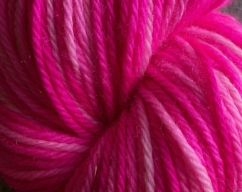 Gradient Self-striping Worsted weight Yarn - Hot Fuchsia