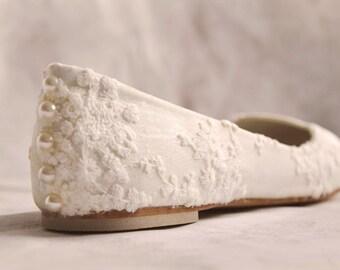 Wedding shoes lace wedding shoes flats ivory lace bridal flats lace wedding flats wedding flat shoes embellished shoes SIZE 6
