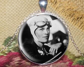 Amelia Earhart Pendant/Necklace Jewelry, Amelia Earhart Necklace Jewelry, Amelia Earhart Photo, Photo Jewelry Glass Pendant Gift