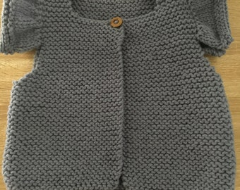 Girl chunky knit vest
