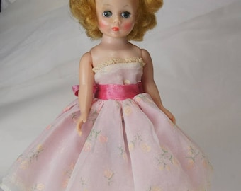 MADAME ALEXANDER DOLL 9 inch Vintage Doll 1950's Cissete Doll, American dolls