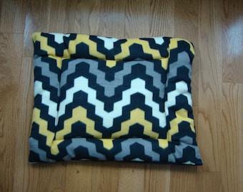 Geometric Design Puffy Pet Bed