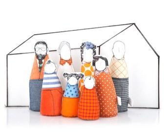 Set of dolls , dolls family ,  Dollhouse dolls , 12th scale , family portrait , Dollhouse Miniatures , dollhouse figures , Personal Portrait