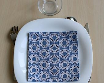 Napkin - 34 x 34 cm - pattern round fancy blue
