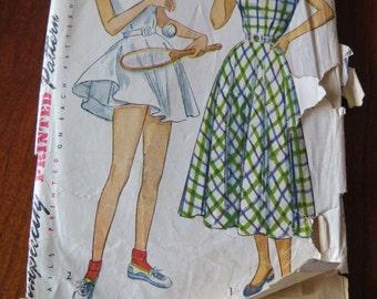 Vintage 1940s Simplicity 2474 Misses Dress Pattern size 16 B34