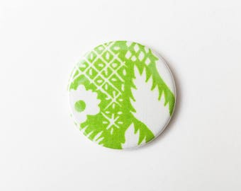 Green and White Floral Pattern - A Pocket Mirror made from Vintage Fabric, 58mm 2.3 Inches, Vintage Floral Fabric