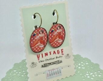 Pin-up earrings