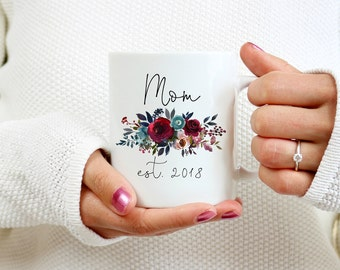 Expecting mom gift, new mom gift, New Mom Mug, new mom, personalized gift, mom est 2018, Gift for Mom, New mom Gifts, Mommy to be mug