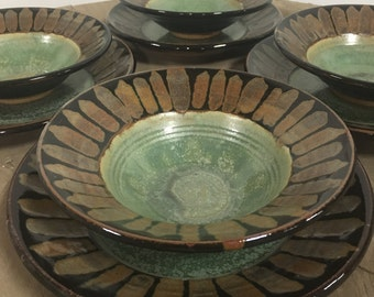 8 Piece Plate and Bowl set