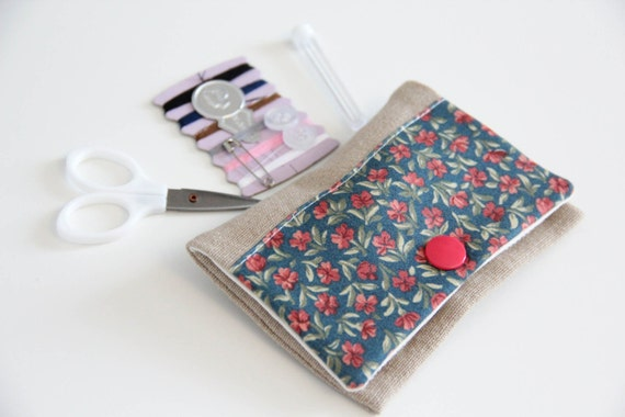 Sewing kit - flowers - blue - pink - green - travel - threads - scissors - needle - pincushion - button - fixing - mother's day