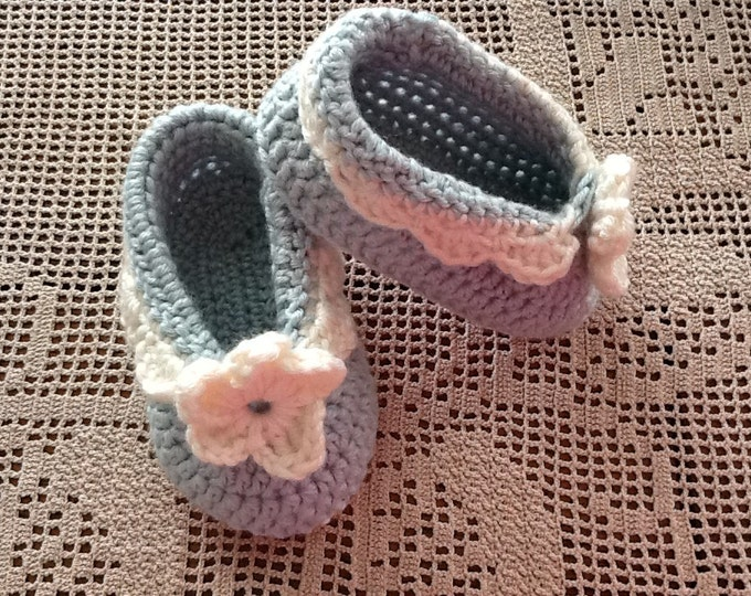 Pattern - Andrea's Baby Shoes to Crochet