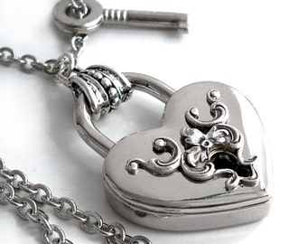 Key to My Heart - Victorian Style Padlock Necklace