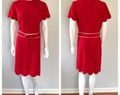 Vintage 60s Red scalloped...