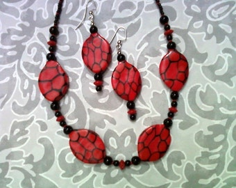 Red and Black Spiderweb Necklace and Earrings(1594)