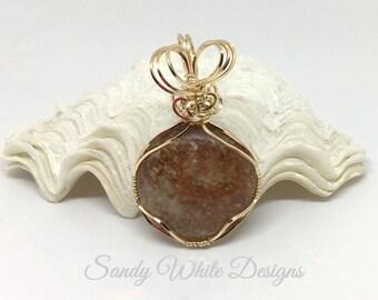 Lodolite Scenic~ Round Pendant 14 kt Gold Wire  #wirewrappedjewelry #wiresculptedjewelry #sandywhitedesigns