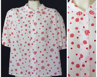 White short sleeve blouse with red polka dots from Judy Bond SIZE 24W