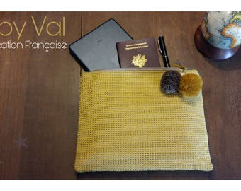 Mustard yellow pouch - Jacquard and cotton - wool tassels