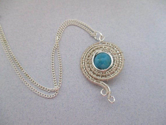 Crazy Lace Agate Woven Wire Circular Pendant N430182