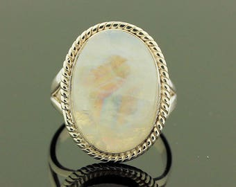 White Moonstone Silver Ring // 925 Sterling Silver // Ring Size 6.5 // Handmade Jewelry