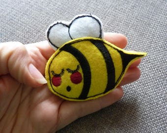 Felt Bumble Bee Pin Brooch