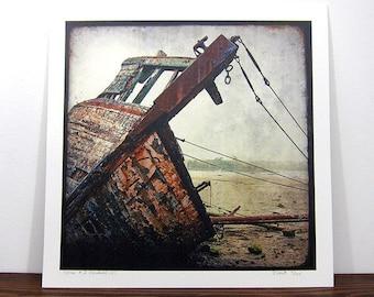 Epave de Bateau #3 - Bretagne - Tirage expo 30x30 cm - Signé et Numérot