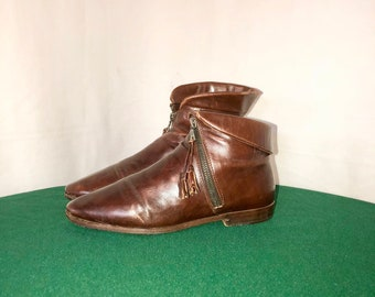 Sz 6 Vintage Short Brown Genuine Leather 1980s Women Flat Italian Made Joan & David Zip Up Ankle Boots.