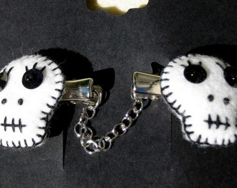 White Skull Sweater Clips
