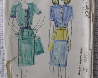 """1940s Suit - 32"""" Bust - McCall 5662 - Vintage Sewing Pattern"""