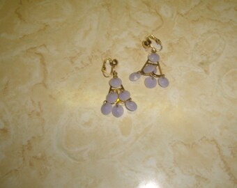 vintage clip on earrings goldtone purple lilac lucite dangles