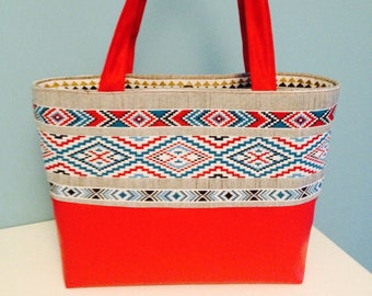 Small tote style ethnic Red