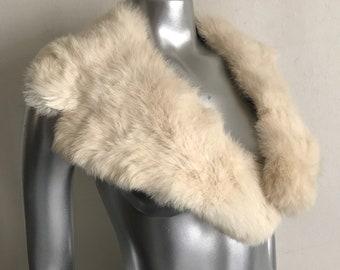 White rabbit fur collar size universal .