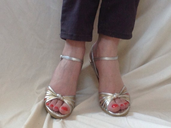 6 vintage strappy leather Johnson 1990 M silver BETSEYVILLE