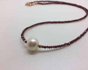 Choker necklace with garnet and pearl, golden Silver rose gold