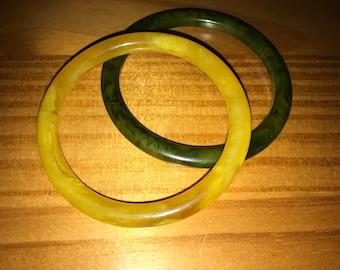 Pair vintage bakelite bangles bracelets spacers yellow green