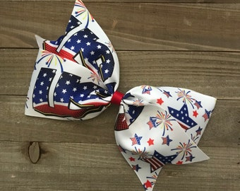 """USA Red White Blue 7"""" Bow"""