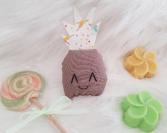 Small fabric pineapple cat pen and taupe!