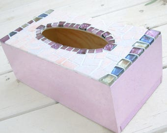 Pink mosaic tissue box