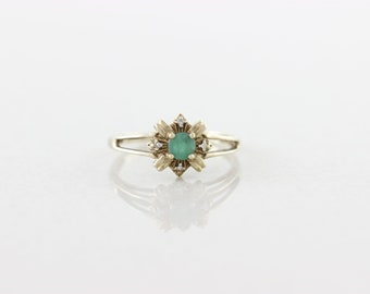 10k Yellow Gold Natural Green Emerald Ring Size 7 1/4