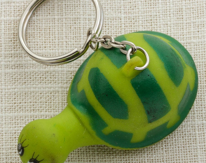 Vintage Rubber Turtle Keychain Green Squeaky Squeaker Key FOB Key Chain 16U