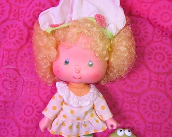 Vintage Strawberry Shortcake Friend Lemon Meringue and Frappe' Frog Pet