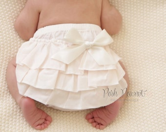 ivory ruffle diaper cover - Diaper cover - baby diaper cover - Newborn Diaper Covers - Bloomers - Ruffle Bloomers - toddler - Girls- Baby